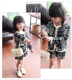 Wholesale Girls Baby Childrens Outfits Sets Kids Clothes New Atumn Winter Cardigan Jackets Coat and Shorts Sets BY0000
