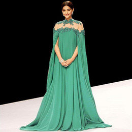 Wholesale Stunning Green Sonam Kapoor Arabic Evening Gowns A Line High Neck Chiffon with Lace Prom Dresses with Long Sleeve Backless Indian Dress