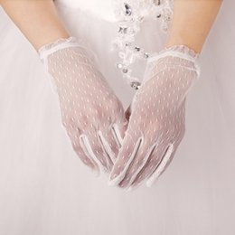 Wholesale 2015 New Arrival White Lace Simple Design Wedding Gloves High Quality Bridal Accessories Wrist Length Designs