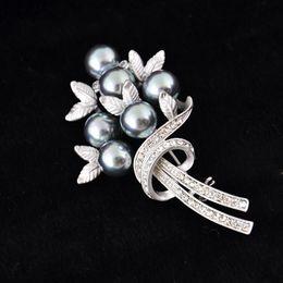 Wholesale Luxury Vintage Bridal Jewelry Flower Pin Brooch Wedding Costume Pearl Silver Pleta Evening Dresses Diamante Rhinestone ZYY