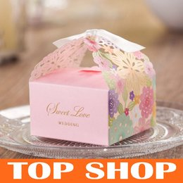 Wholesale Laser Cut Candy Boxes Pink Paper Flowers Hollow out Chocolate Sweet Box Gift Bag for Wedding Supplies HQ1152