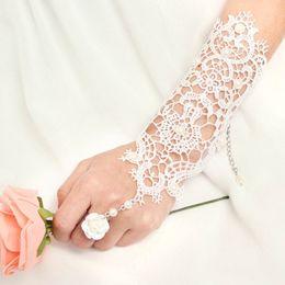 Wholesale 2015 New Fashion White Pearl Lace Wedding Bride Elegant Pearl Flower Ring Bridal Gloves Bracelet Wedding Accessories