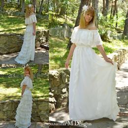 Wholesale Vintage Lace Ivory Bohemian Wedding Dresses Off the Shoulder Cacading Ruffle Hippie Wedding Gowns Maxi Gypsy Girl Boho Bridal Dress