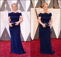 Wholesale Patricia Arquette o Oscar vestidos de la celebridad de fuera del hombro del azul real de la envoltura del Spandex largo de los vestidos de la alfombra roja de encargo