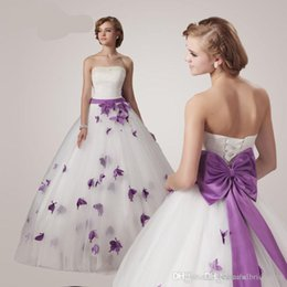 Wholesale Sexy Strapless Wedding Dress Ball Gown Bridal Gowns Butterfly Custom Made Lace up Vintage Princess Plus Size Floor Length Purple White