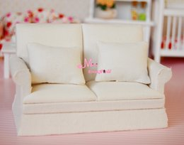 wholesale free shipping 1 12 dollhouse miniature furniture pure white double seat sofa w cushions affordable dollhouse miniature sofa affordable dollhouse furniture