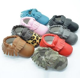 Wholesale 200 pair Baby moccasins soft sole moccs genuine leather prewalker booties toddlers babies infants fringe cow leather moccasin shoes