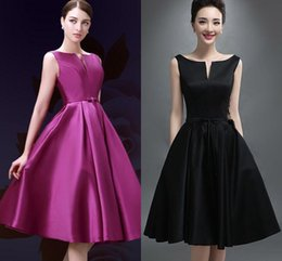 Wholesale Cheap In Stock Knee Length Lace Up Cocktail Dresses Bateau Neck Sleeveless A Line Bridesmaid Gowns Short Party Dress