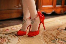 Wholesale White High Heels Beaded Stunning Tassels Bridal Wedding Shoes Round Toe Stiletto Heels Satin Red Evening Shoes Party Prom High Heels