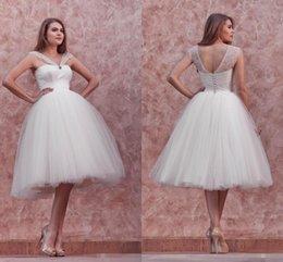 Wholesale Venant New Tulle W1530 robe de bal courte robes de mariée plafonné manches Sheer princesse nuptiale Low Back Longueur de thé en dentelle moderne Meilleures ventes