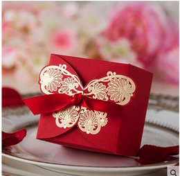 Wholesale Red Square Candy Boxes Favor Boxes with red Ribbon pecs Paper For Wedding Gust Gifts Red gilt butterfly