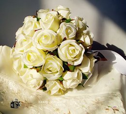 Wholesale Newest Wedding Bouquets Handmade Artificial Pearls Flowers White Roses First Class Quality Brides Bouquets