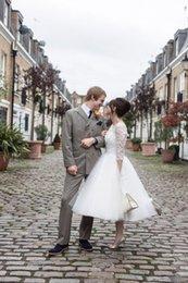 Wholesale 2016 Meilleures ventes Classic Short court robes de mariée thé longueur manches en dentelle Tulle A Line Short Vintage Robes de mariée