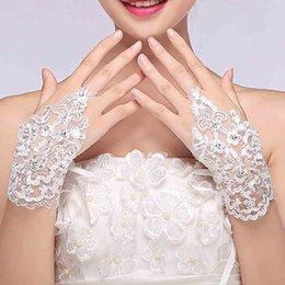 Wholesale New Arrival Cheap In Stock Bind Lace Appliques Beads Fingerless Wrist Length With Ribbon Bridal Gloves Wedding Accessories