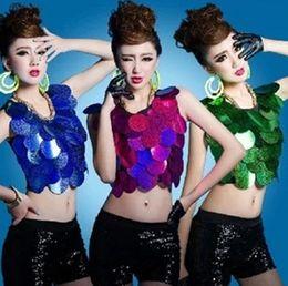 Wholesale Sequins Detailing Stage Wear Sleeveless Shine Crop Top Dance Clothing Singer Belly Jazz Dancer Nightclub Bar Midriff baring Dancing Costumes