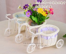 Wholesale Hot cane Basket makes up White tricycle Bike Design flower basket Storage Conrainer Household decoration Props film photography