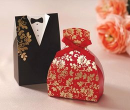 Wholesale Red Wedding Gown and Black Suit Favor Holders Wedding Gift Box Paper Fashion Wedding Candy Bag GR