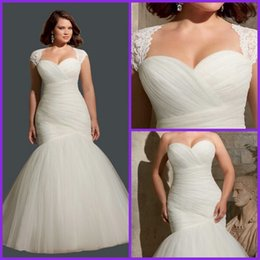 Wholesale Hot sale Pleated Bridal Gown with Lace Plus Size Mermaid Lace up Wedding Dresses Keyhole Back