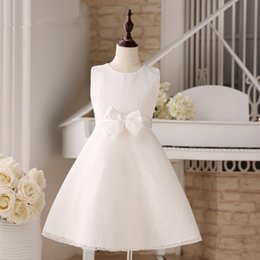 Wholesale White Lace Communion Dress For Little Girls With BOw Round Neckline Simple Kids Formal Wear