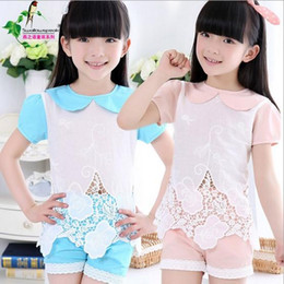 Wholesale 2015 Baby Girls Korean Style Two Colors Hollowed out Flower Lace Patchwork Fashion Set Doll Collar T shirt And Shorts Pieces Set Kids Set