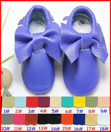 Wholesale 18Pairs Baby Bow moccasins soft sole moccs genuine leather prewalker booties toddlers infants fringe cow leather moccasin shoes Colors