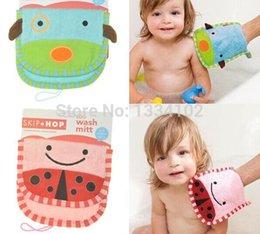 Wholesale new hot Cotton Newborn Bath Towel Brush Baby Bath Sponge baby children bath Zoo wash Mitt Sets cute glove shape