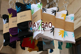 Wholesale 1 pair of High Crew Socks Weed Skateboard hiphop stockings Leaf Maple Leaves socks Stockings Cotton Unisex Plantlife Socks