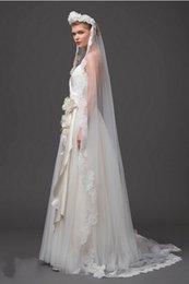 Wholesale Vintage White Ivory Long Tulle Wedding Bridal Veil One Layer Applique Lace Wedding Veils Chapel Train Long Bridal Veils New