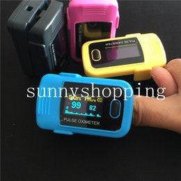 Wholesale Whalesale Promotion FDA CE Colors OLED Fingertip Pulse Oximeter Spo2 Monitor Home Care