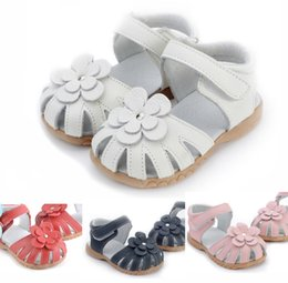 Wholesale girls sandals genuine leather flower white pink navy red for wedding christenning SandQ baby sandals on magazines F1 closed toe wide EMS