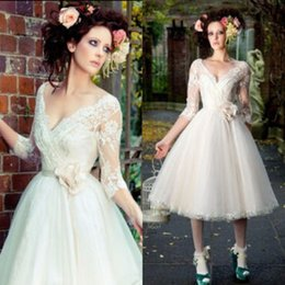 Wholesale 2015 Vintage Garden Short Wedding Dresses with Sleeves Informal A Line V Neck Bridal Gowns with Lace Appliques Handmade Flower
