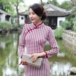 Wholesale 15 qiu dong grid fashion to improve daily cheongsam Retro institute wind MIDI wool knitting cheongsam of the republic of China