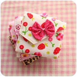 Wholesale Cute girls sanitary napkin bag Pouch