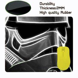 Guerres minimaliste Darth Vader drôles gros-étoiles le crossovers parrain fond noir tapis de souris appropriés pour souris optique