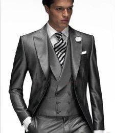 Wholesale New Design One Button Custom Made Slim Fit Groom Tuxedos Best Man Suit Wedding Groomsman Men Man Suits Bridegroom Jacket Pants Vest