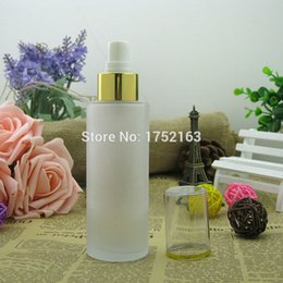 Wholesale 100ml frosted glass Spray bottle With Shiny gold mist sprayer Empty lotion bottles Cosmetic glass bottles Cosmetics containers