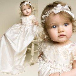 Wholesale Nueva infantil Lolita del bautizo del bebé vestido de vestidos de primera comunión preciosas muchachas de los muchachos de marfil blanco del bautismo del vestido del Applique del cordón con la venda