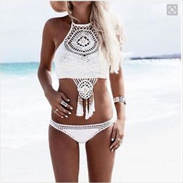 Wholesale Sexy Bikini Crochet Bikini Hollow Out Crochet Crochet Knitted Bra Boho Bikini Halter Tassel Crop Top mão tricô Swimwear para as mulheres