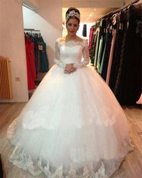 Wholesale vintage princess Lace Long Sleeve Puffy Wedding Gown ball gown Bridal Gowns
