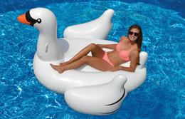 Wholesale Inflable gigante piscina de agua de juguete de la balsa del ocio del verano del cisne del flotador al aire libre