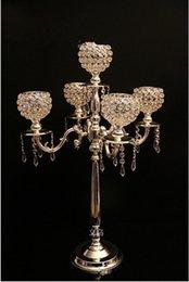 75 cm de metal cromado de altura de 5 brazos / candelabros de oro con colgantes de cristal de la boda del sostenedor de vela LLFA11 pieza central de eventos