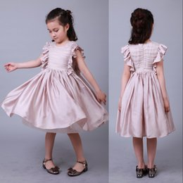 Diseñado mangas precioso longitud de la rodilla Vestidos de la muchacha de la princesa una línea de vestidos de las muchachas funcionamiento de la etapa de la flor formales vestidos del partido MC0367