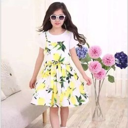 Wholesale Korean Style Girls Pretty Lemon Printed Two Pieces Set Pure Short Sleeve T shirt And Suspender Dress Set Childrens Summer Clothing