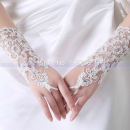 Wholesale In stock wedding gloves Fingerless White wedding accessories Applique Beaded Wrist Wedding Bridal Gloves