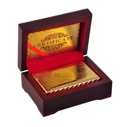 24K золотой фольги покрыло покер карты игральных карт игры Полноценного Спорт Развлечения Игра покер карты Box Подарочные карты с сертификатом 2507005