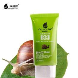Wholesale Fondation gros Flawless Snail blanchissant BB Cream Ségrégation Givre CC Crème Compact Concealer coréenne de base Empêcher Bask In Cosmetics