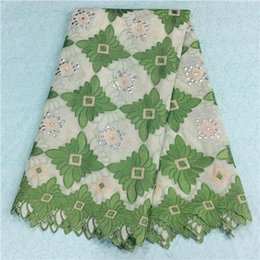 Wholesale 2016high quality african velvet lace fabric for women dress Green and white Splicing patterns C5