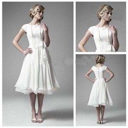 Wholesale Meilleures ventes robes de mariée Vintage Une ligne thé longueur courte Cap manches en mousseline de soie Bateau Short Beach Robes de mariée robe de mariée