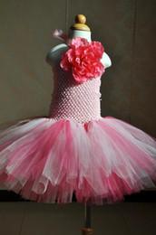 2017 Розовые платья девушки цветка шеи Halter короткие цветастые платья первого причастия платья мантии дня рождения маленьких младенцев девушок дешевое MC0223