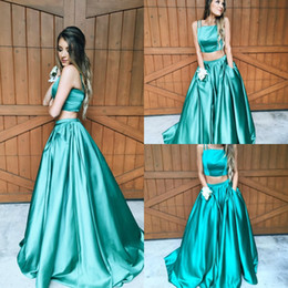 Wholesale Hot Two Pieces Dresses For Prom Spaghetti Top A Line Floor Length Skirt With Pockets Green Evening Party Wear